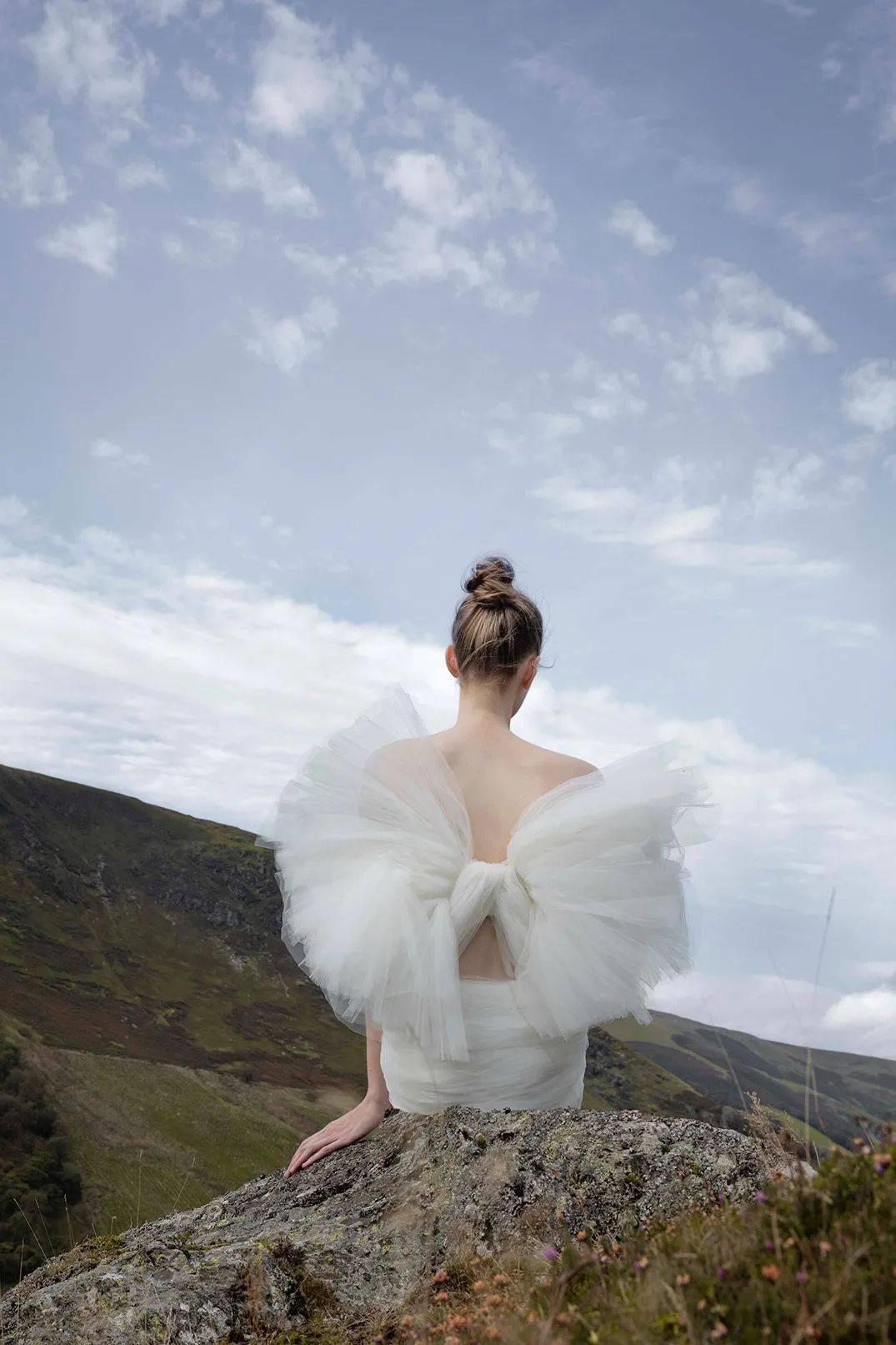 虽然还没想好嫁给谁,我已经想好要穿哪件婚纱了