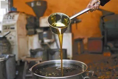 发霉的花生还能用来榨油吗?营养师:这几个大问题都不能不管