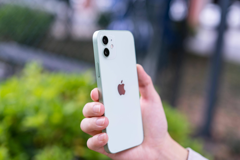 iPhone 12抢先评测:体验提升明显,果黑可以闭嘴