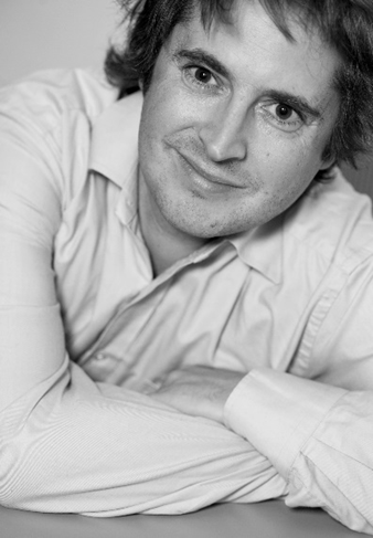 创新英国创意经济负责人汤姆·坎贝尔:艺术金融创新在伦敦、成都、上海等城市快速发展