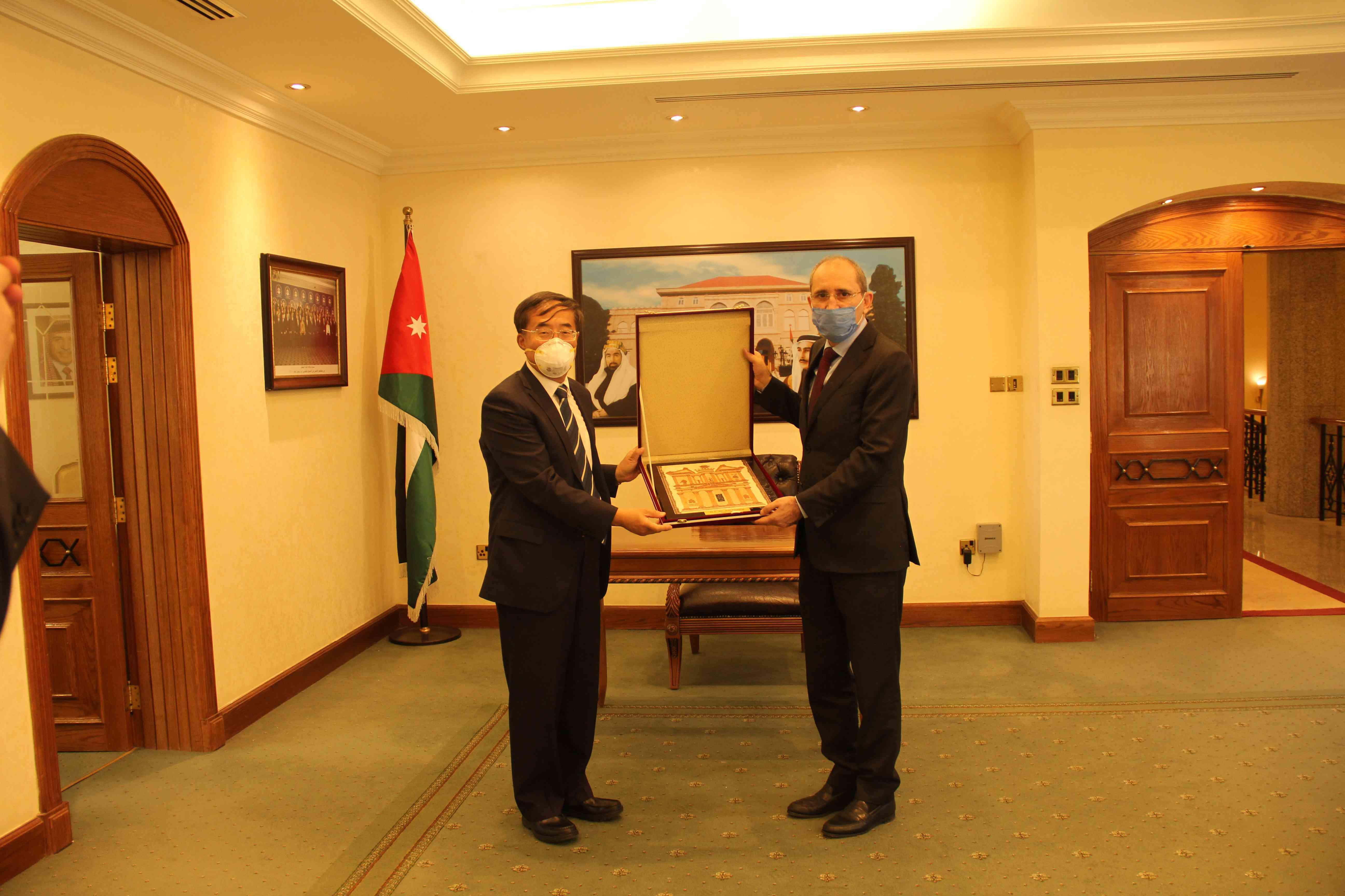 潘伟芳即将卸任中国驻约旦大使一职
