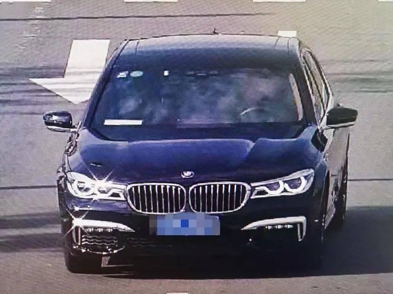 恒达注册男子单手开宝马车速超250,警方通报了(图9)