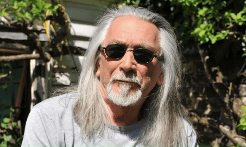 英国作家迈克尔·约翰·哈里森获2020年金史密斯奖