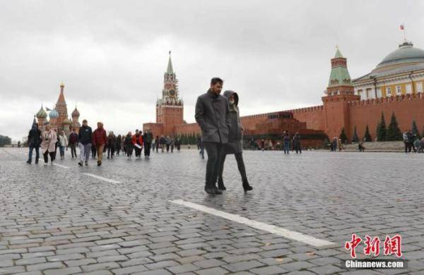 俄新冠病例超213.8万 将从2021年起大规模接种疫苗