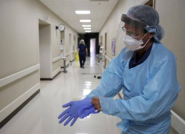 """美国医院上万周薪""""抢招""""护士 美媒:或致部分地区人手短缺"""