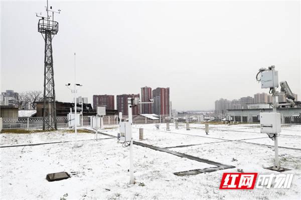 """寒潮动态丨湖南低温雨雪冰冻持续""""在线"""" 黄花机场取消14趟航班"""
