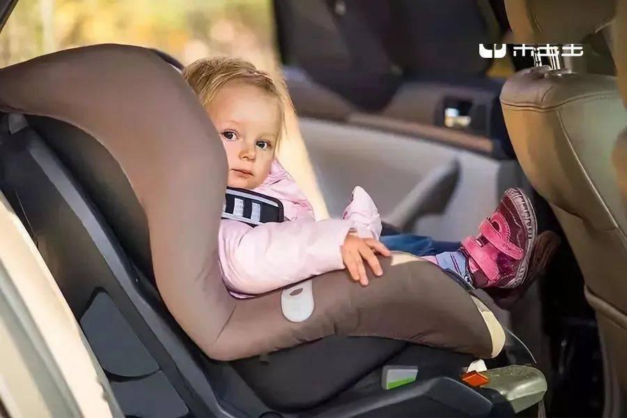 我用血的教训告诉你,千万别让孩子穿羽绒服坐安全座椅!