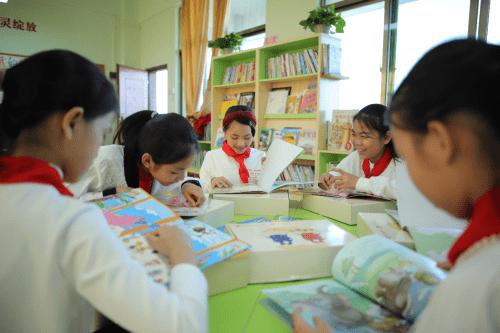 15年建成图书馆1680个,乡镇儿童200多万人有好书读