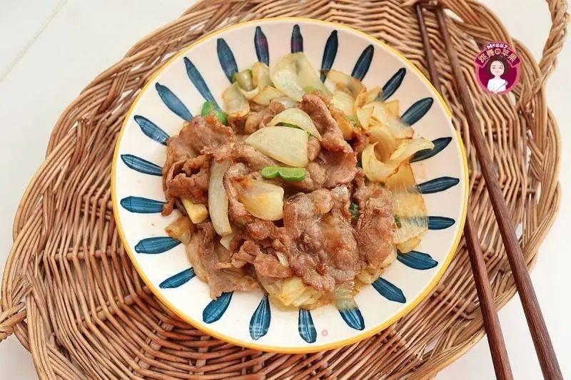 【健康美食】鲜嫩脆爽,解馋下饭的蚝油洋葱肥牛~