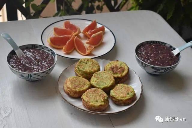 夫妻俩两天的早餐是简单易做的速成早餐,生活很有味道