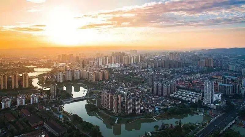 常德市gdp_七普之后,湖南湖北江西38个城市人口-人均GDP排名更新了