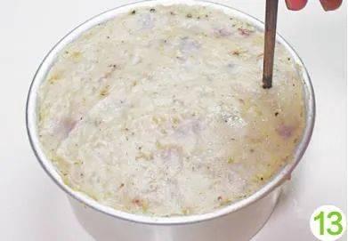 这小糕点,用芋头和腊肠就能做,粉糯咸香,外酥里嫩,连吃两块不过瘾