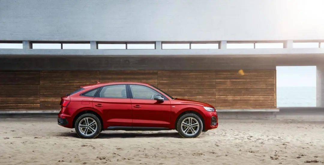 全新奥迪Q5L Sportback全球首映!最漂亮的中型豪华轿跑SUV来了!