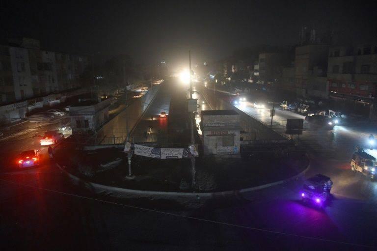 巴基斯坦遭遇全国严重大停电,首都和经济中心都陷入黑暗