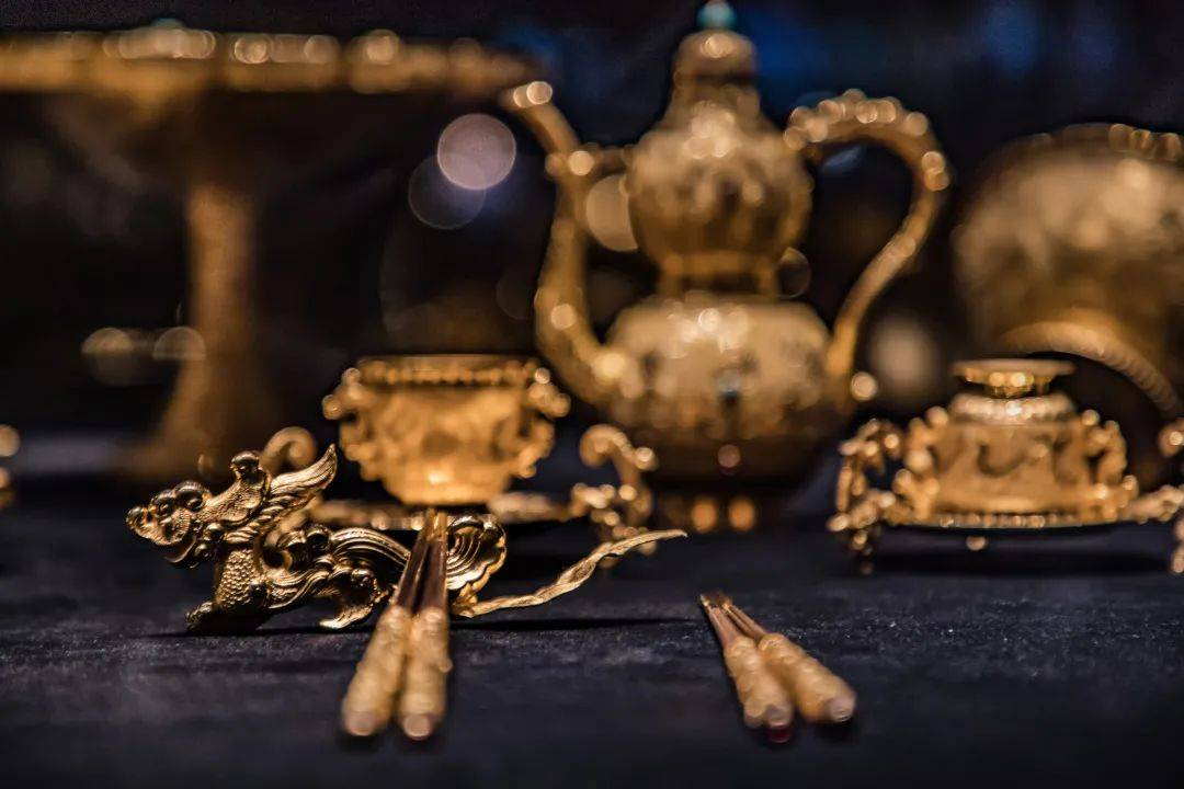 奉贤博物馆上新啦!除了价值10亿的翡翠原石,还有这些价值不菲的经典传承值得一看!