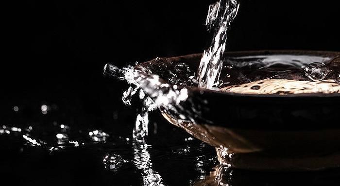 """又一次""""与酒同飞"""",京之酒业抛弃这个世界,转战圣亚星,股价提前上涨"""