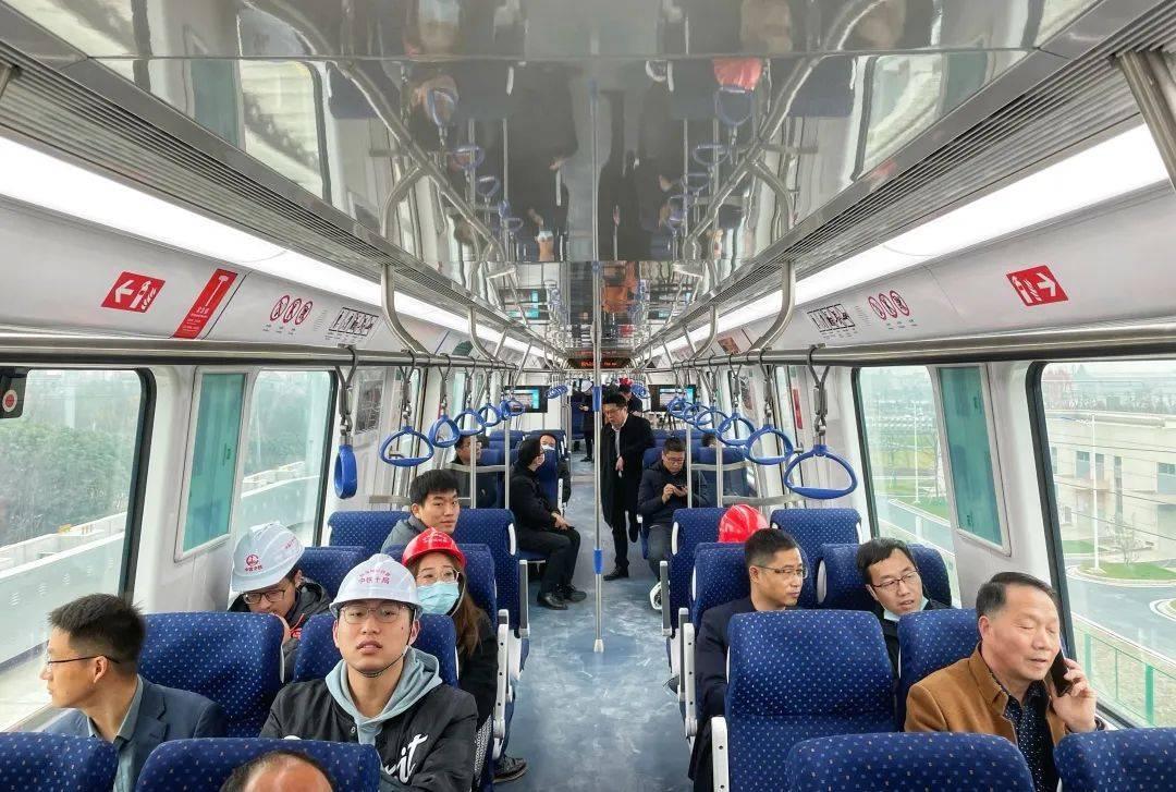 一站路只要2分多钟!杭海城铁时速120公里/小时试行
