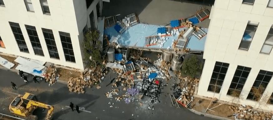 8米高连廊坍塌致1死14伤!全省开展架空连廊安全隐患排查