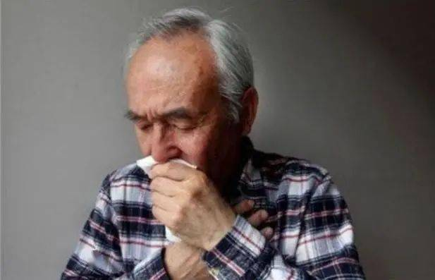 56岁女子深夜脑梗离世,医生叹息:一把年纪了,饭后这事还不注意_张大姐