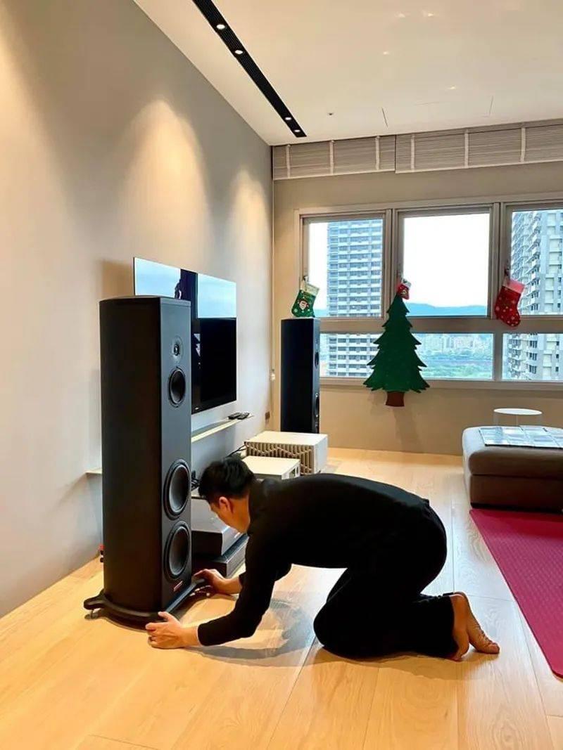 高德平台指定注册【烧友家访】调音摆位从皇帝位开始:土城赖先生的Magico音箱系统