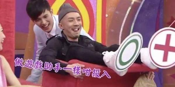宣传造势!TVB小生现身宣传新剧,不担心车厢偷食事件影响收视
