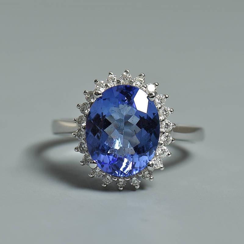 坦桑石是天然宝石吗?顶级坦桑石的特点是什么样子?