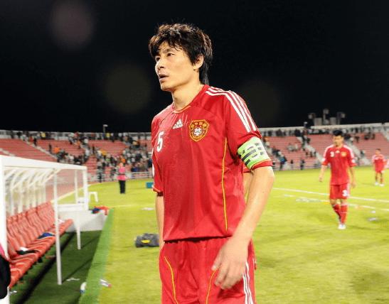 国足对比日韩差在哪?李玮锋说了4个字,相信中国队还能进世界杯!
