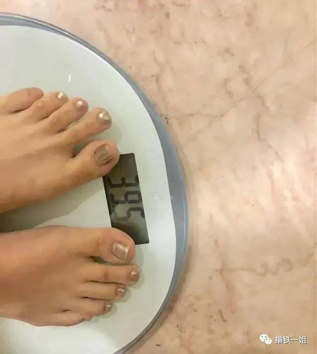 9斤的赵露思居然又瘦了