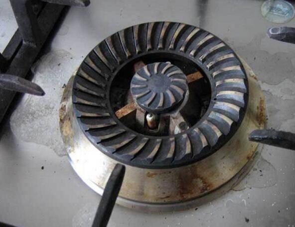 燃气灶火小怎么维修,燃气灶调火大小图解