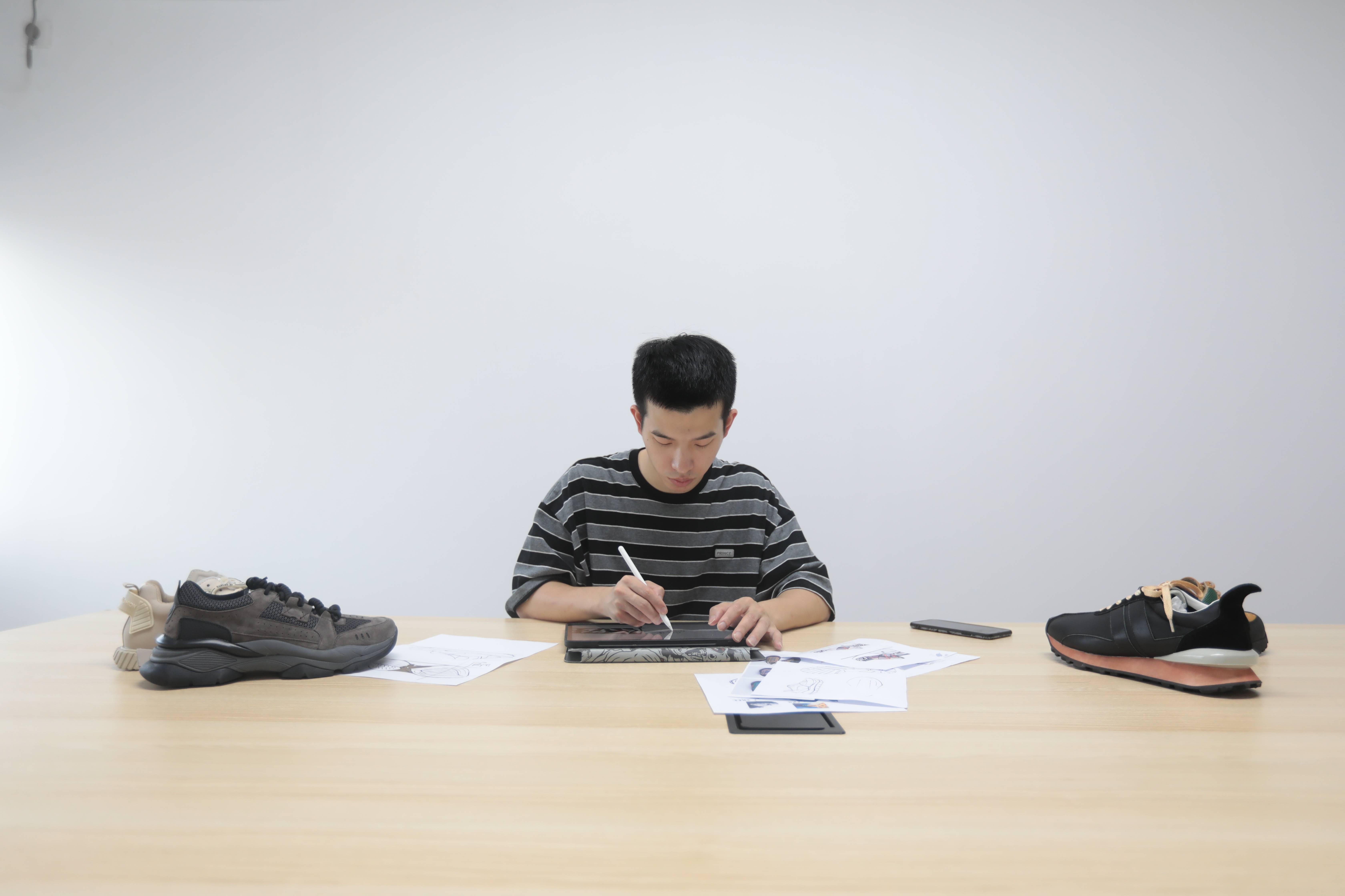 穷小子逆袭记!27岁温州小伙淘宝创业成鞋大王