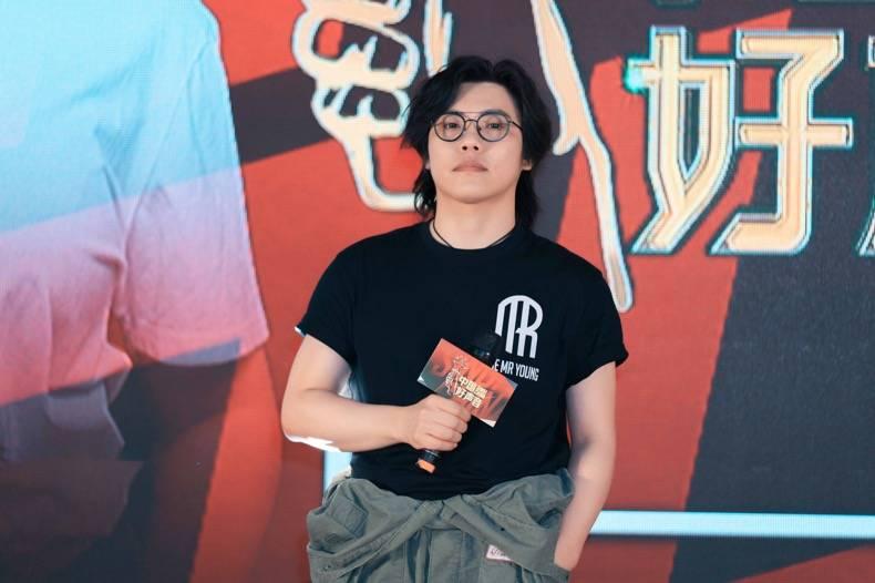 """歌手李琦亮相""""好声音""""全国海选专场赛 多变曲风展现音乐多面性"""