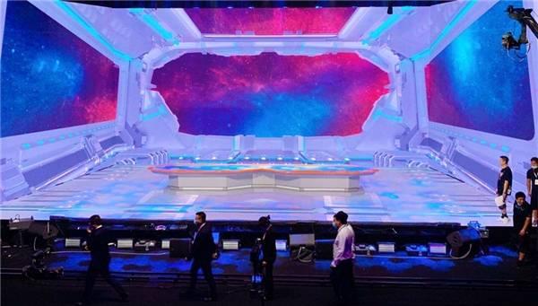 R1SE曜为名惊喜落幕,天舞IDG再助力科幻未来感超神舞台!