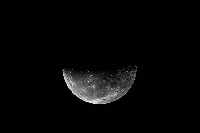 月球发现水,NASA登月联盟却排除中国!月球到底隐藏了什么?