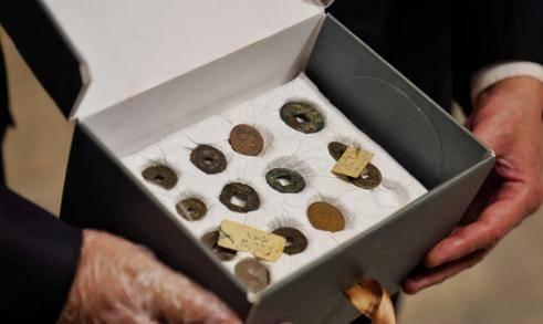 埃及交还31枚中国古代钱币 其中20多枚为国家文物 网络热搜 第2张