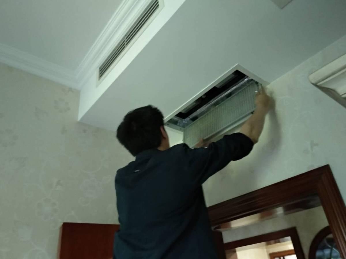空调多久清洗一次(空调真的需要定期清洗保养吗)