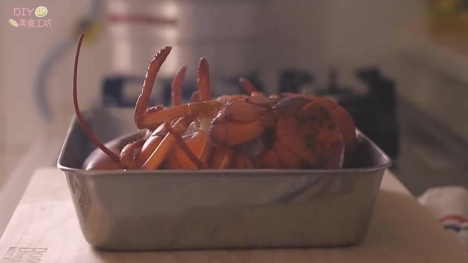 澳洲龙虾的做法视频教程(正宗的芝士焗龙虾做法)插图(1)