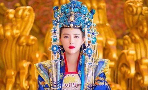 武则天死后300年,她临死前穿龙袍,差点成为第二女皇帝
