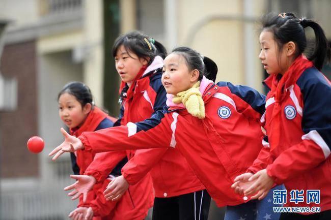 北京小学每周至少5节体育课 从地方课校本课协调