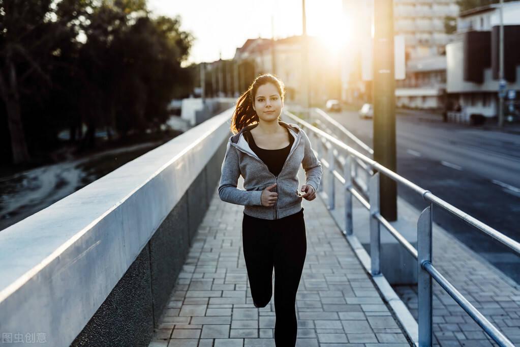 坚持跑步有什么好处?坚持3个跑步方法,让燃脂效率翻倍!