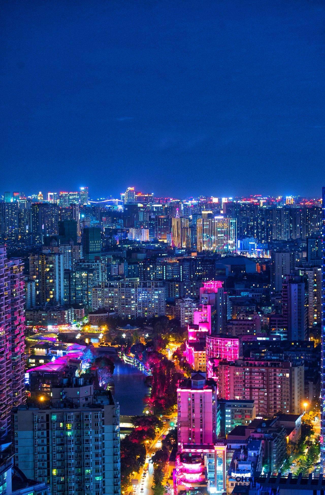 广州夜经济总量_广州上海经济对比