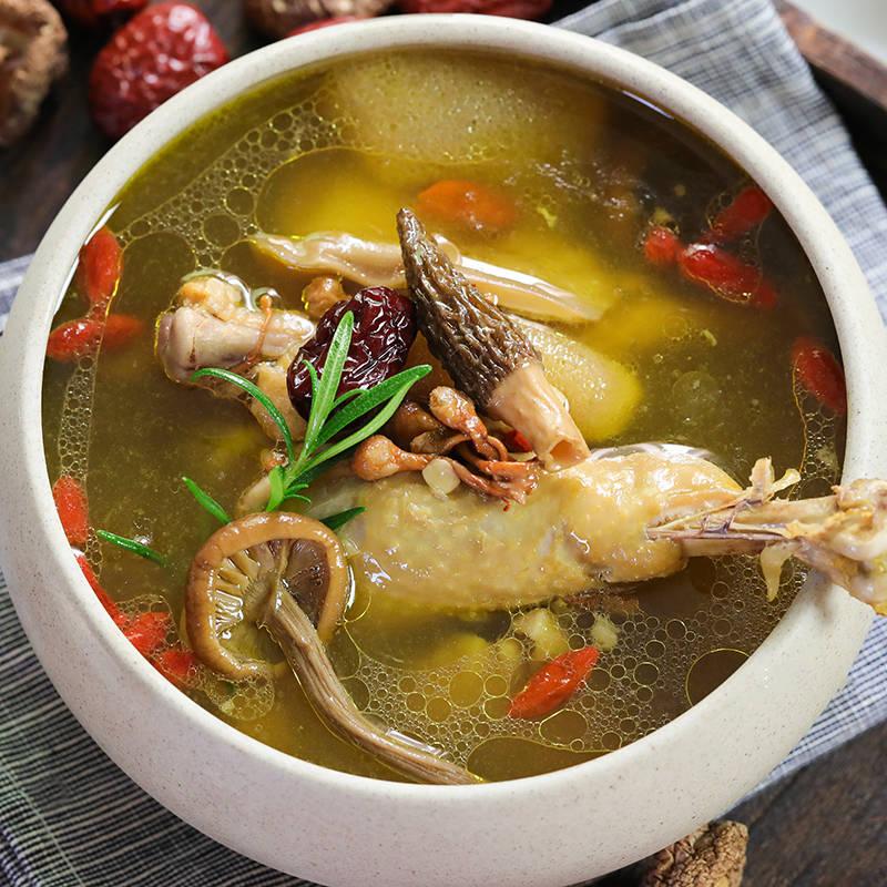 菌菇土鸡汤,好喝又营养,冬天和家人必喝的一款汤