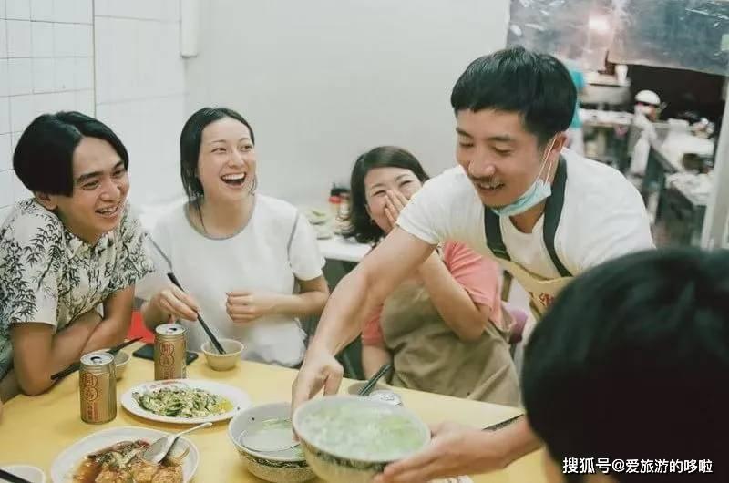 烫蚵仔、香肠配生蒜,台湾人在这里找到家