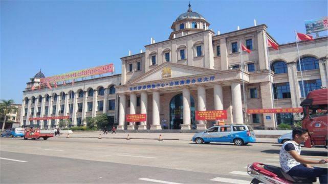 中国这2座小城与越南隔河相望,城建让对岸的越南城市黯然失色