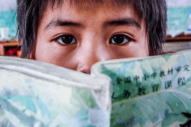 家庭教育或立法,若不是身不由己,谁愿意让孩子成为留守儿童