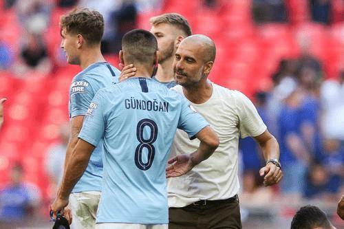 原创             5-0!曼城11连胜超曼联登顶,领先利物浦7分,成夺冠大热门