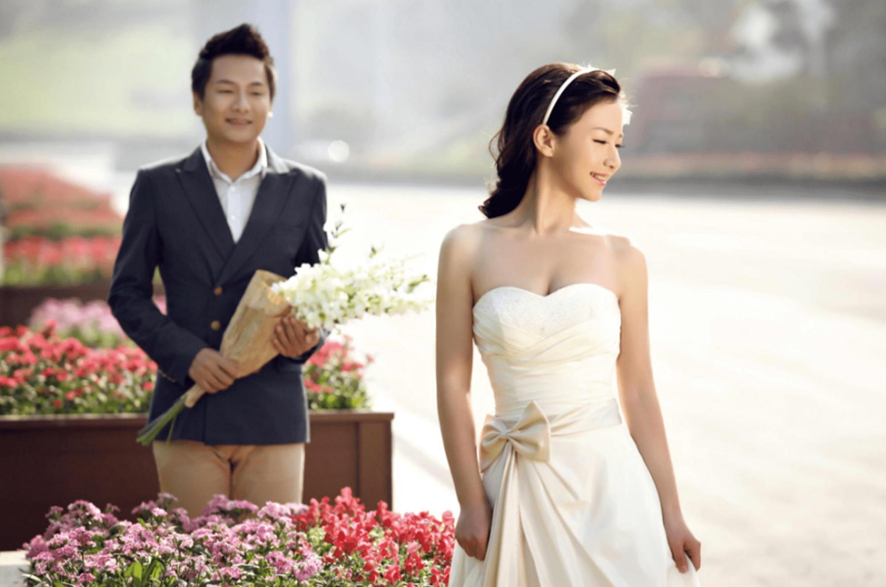 梦见前女友嫁给别人 梦到前任预示着什么