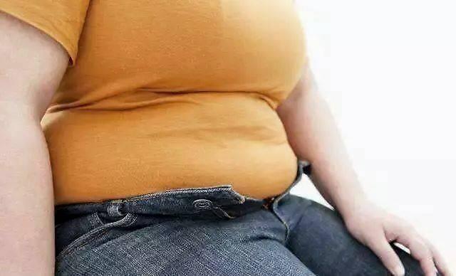 产后肚腩腹直肌分离如果只是轻度的可以通过专门锻炼方法来进行恢复