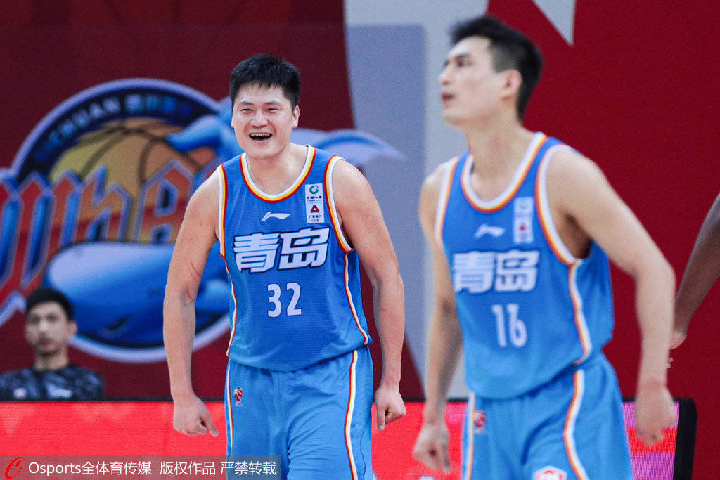 王庆明半场17分变100%先生 关键三分险只手回天_青岛男篮