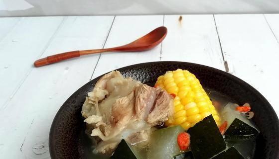 三伏天喝汤最养人,多给家人煲这汤,清热避暑还祛湿,好处多多