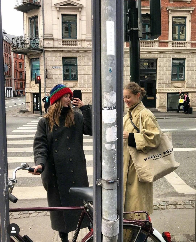 原创             开春愁搭配?这对丹麦双胞胎,穿搭又酷又飒学起来引领潮流!